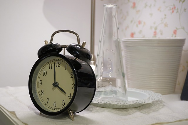 alarm-clock-1540196_640